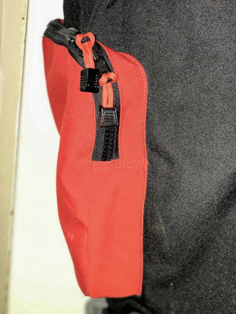 Dry Suit - Pocket Large Zipped